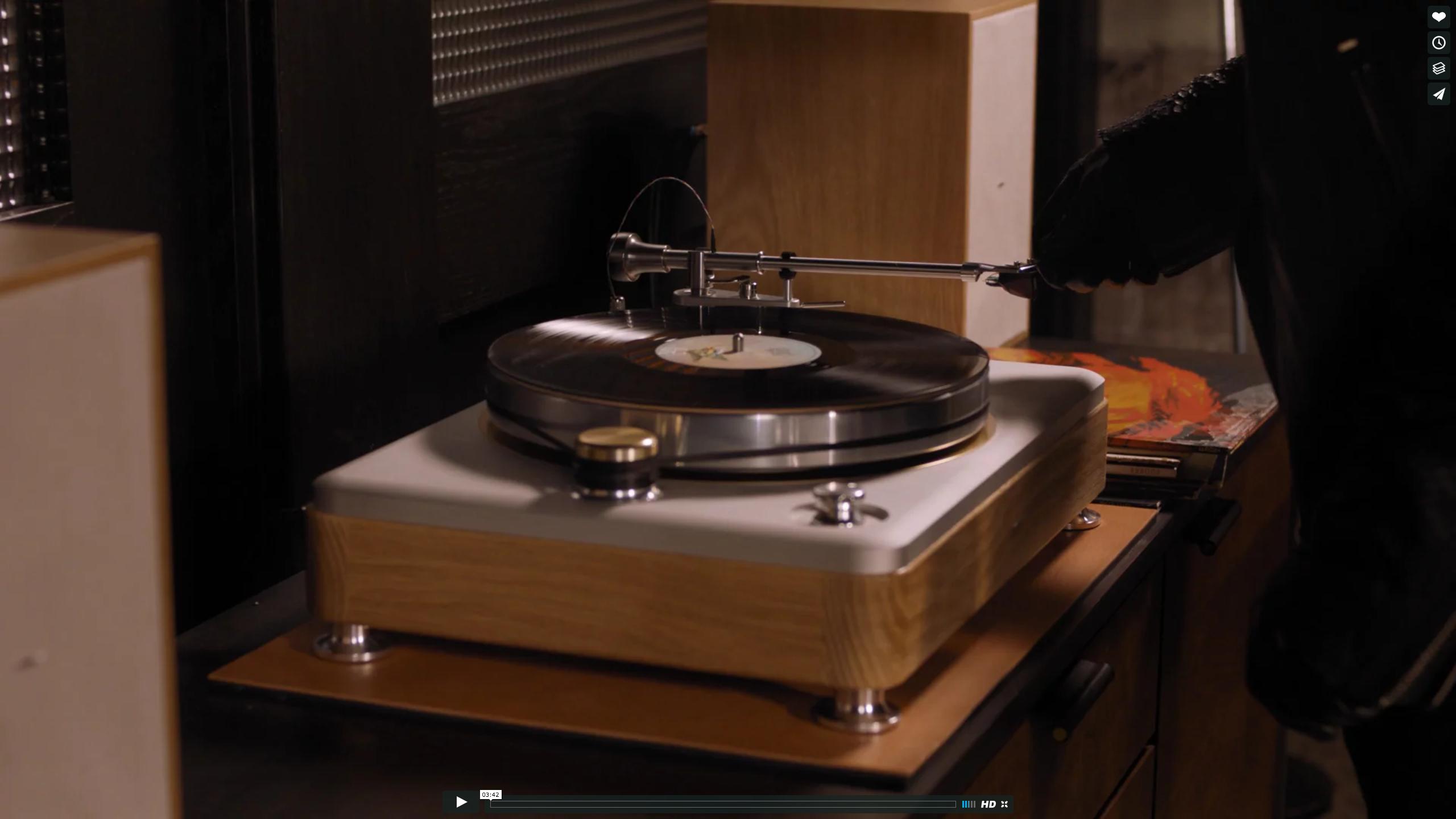 Introducing Shinola Audio: The Runwell Turntable on Vimeo 2016-12-08 22-11-57.png